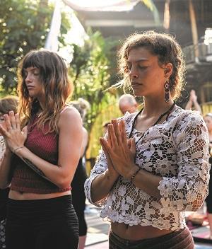 Yoga-Barn-Ubud-Bali-Yoga-Class-Meditation