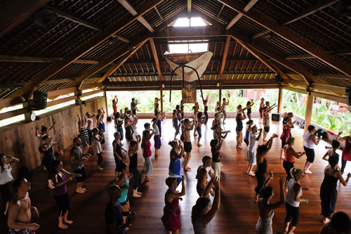 http://www.theyogabarn.com/images/stories/YogaBarn-Studio-Nyoman.jpg